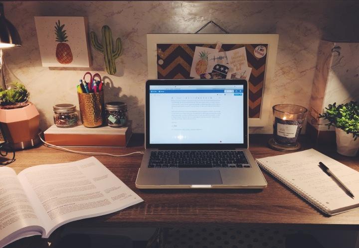College Tip's on being Overwhelmed | CoffeeTalk